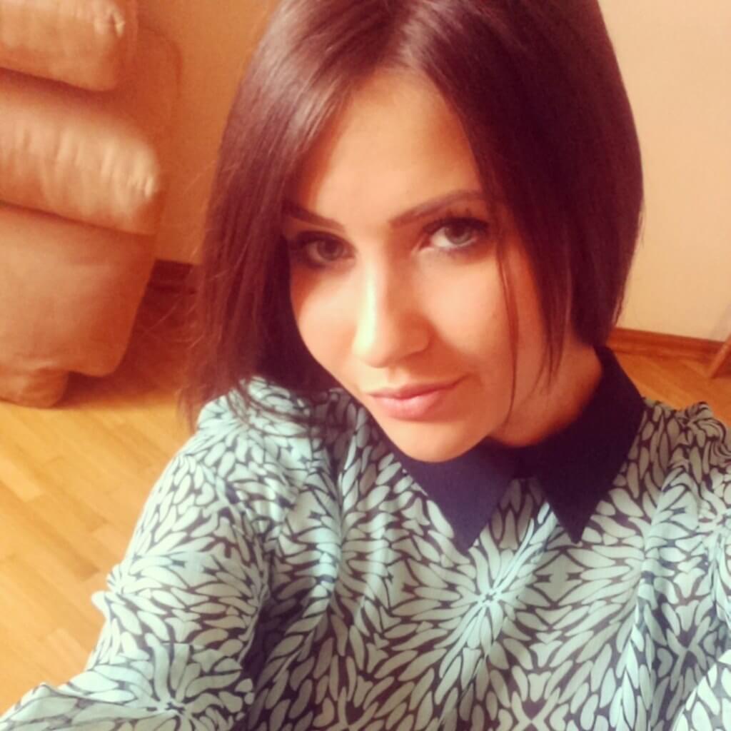 Полина Розова