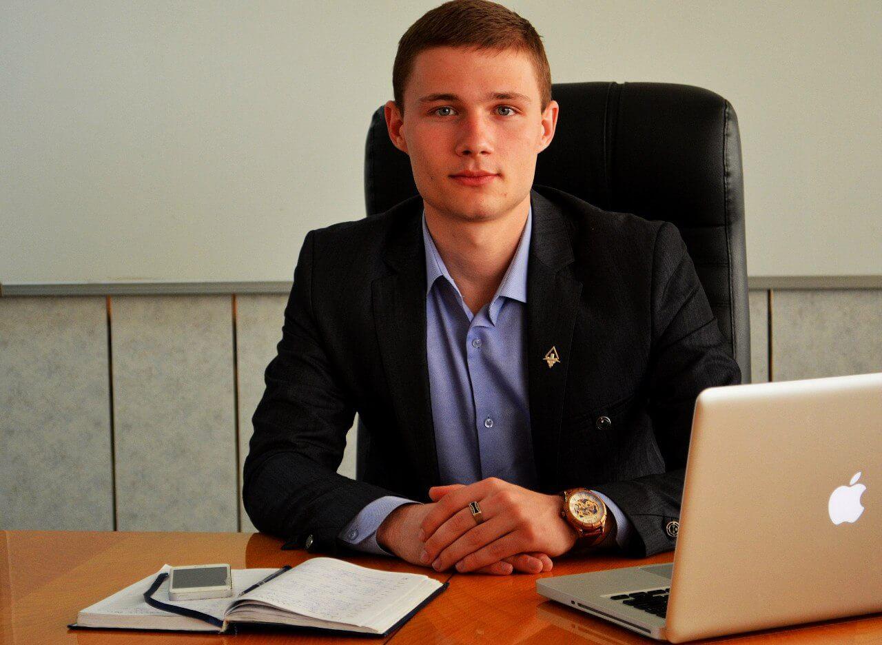 Артем Никишин